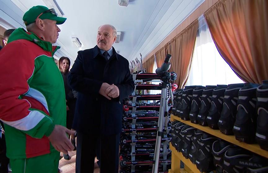 Александр Лукашенко посетил Барановичи и поговорил с местными жителями. Контрольная проверка – через полгода