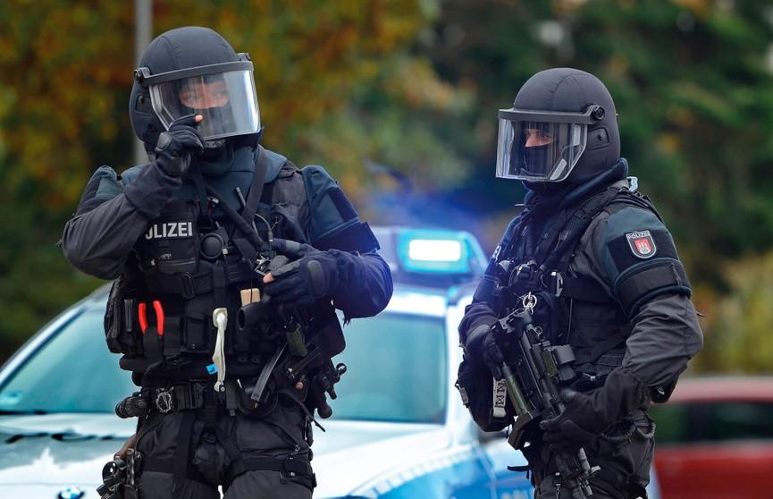 Немецкие спецслужбы задержали 11 человек, подозреваемых в подготовке теракта