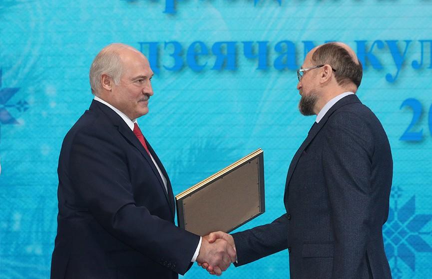 Александр Лукашенко вручил награды «За духовное возрождение»