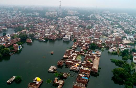 Наводнение в Индии: 13 человек погибли