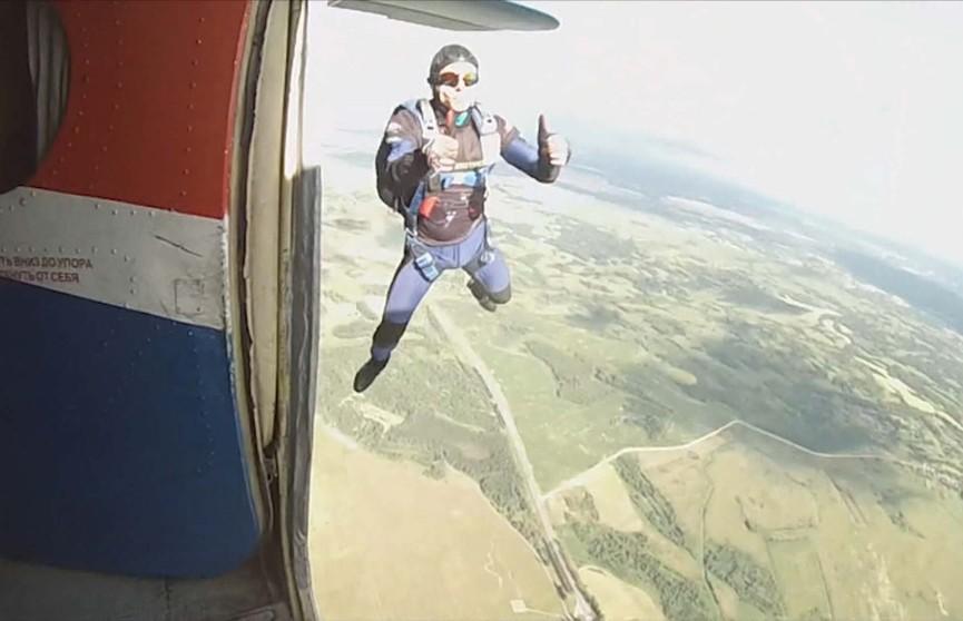 Чемпионат Беларуси по парашютному спорту стартует под Молодечно