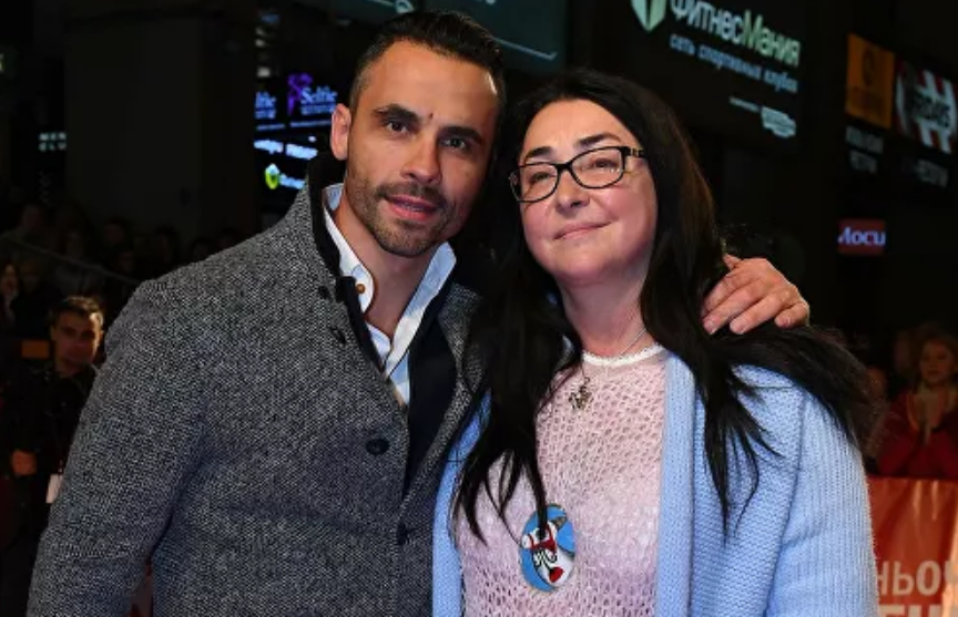 СМИ: экс-супруга Лолиты госпитализировали с травмами