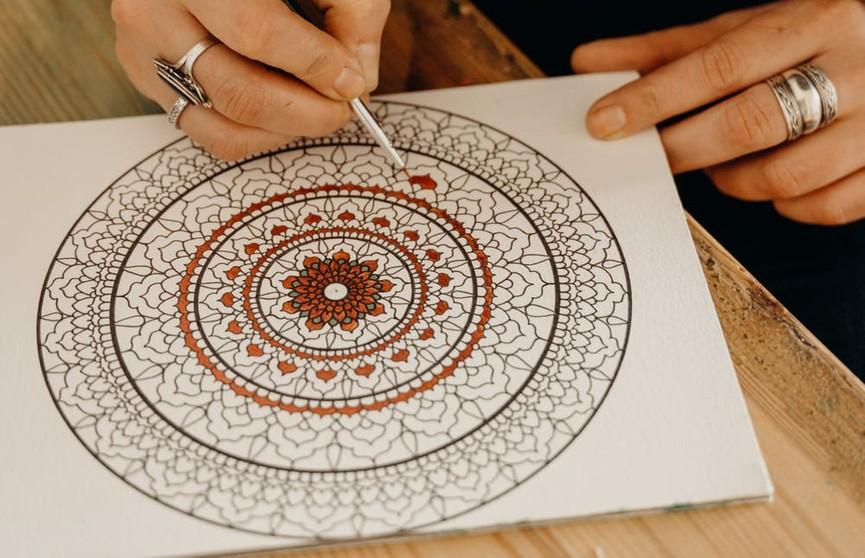 Раскраски-антистресс: какие бывают и чем полезны?