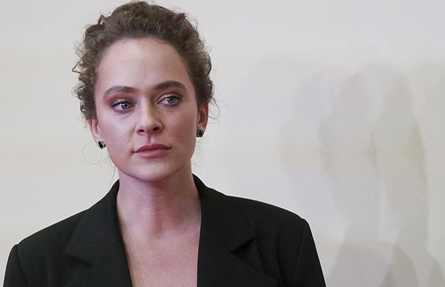 Актрисе Аглае Тарасовой грозит 15 суток ареста за участие в незаконной акции в Москве