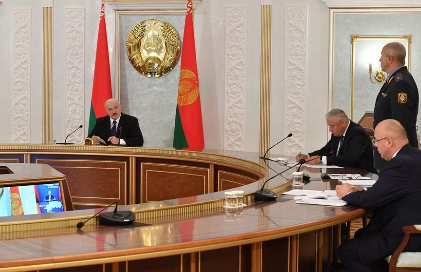 Лукашенко об уборочной: Все, что есть на поле, должно оказаться в закромах