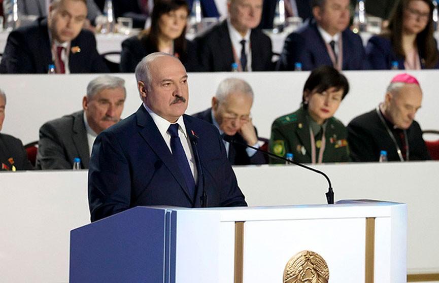 Лукашенко: Белорусы – святой народ, готовы помочь каждому. Но мы никогда не позволим понукать нами