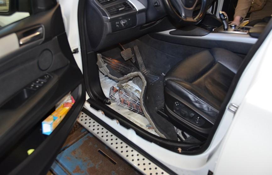 2,5 тыс. пачек сигарет нашли в полу BMW X6 на границе с Польшей