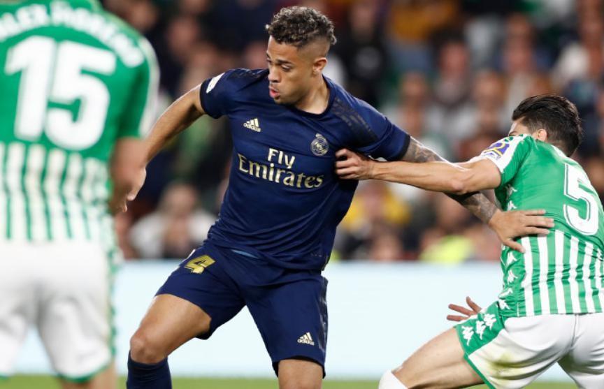 «Реал-Мадрид» проиграл «Бетису» и упустил лидерство в чемпионате Испании