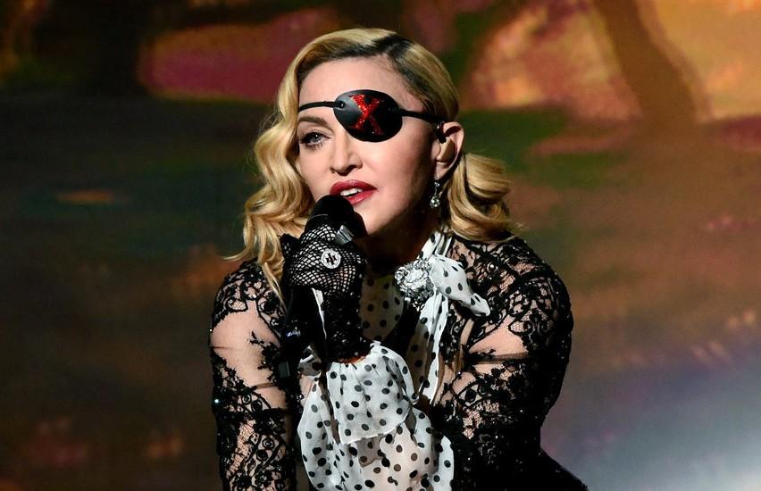 Мадонну обвинили в воровстве музыки и текстов