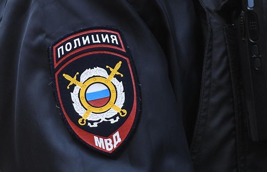 Москвич закрыл дочь в машине и забыл место парковки