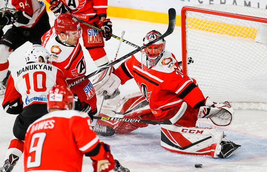 «Автомобилист» обыграл «Авангард» в матче КХЛ
