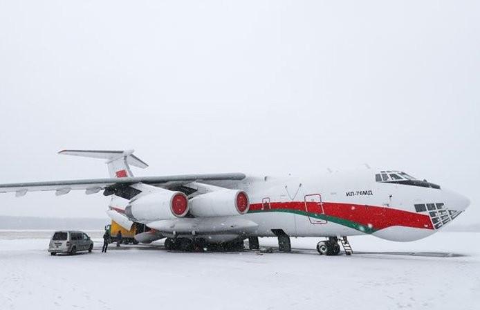Самолет, доставивший гуманитарную помощь в Китай, вернулся в Беларусь