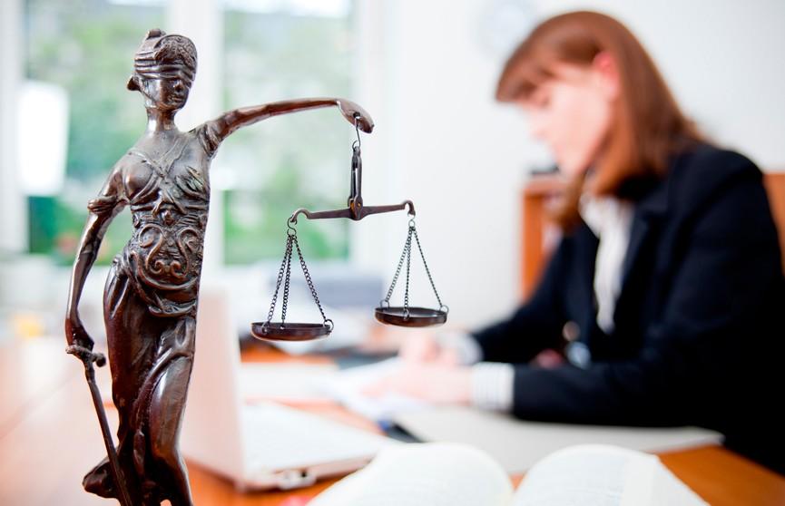 Многодетные мамы сегодня могут бесплатно проконсультироваться у юриста
