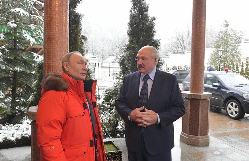 Лукашенко и Путин начали переговоры в расширенном формате