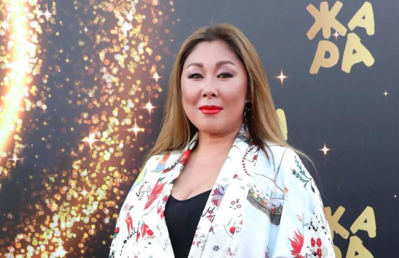 Анита Цой до крови травмировала ногу на фестивале «Жара»