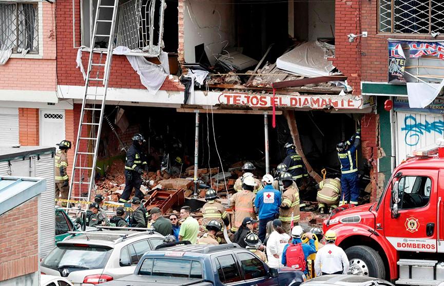 Четыре человека погибли в результате взрыва в столице Колумбии
