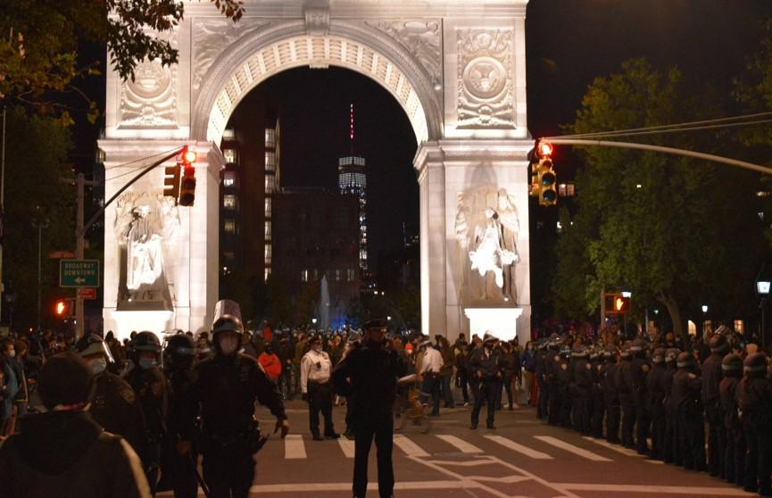 Акция протеста в Нью-Йорке вылилась в стычки с полицией