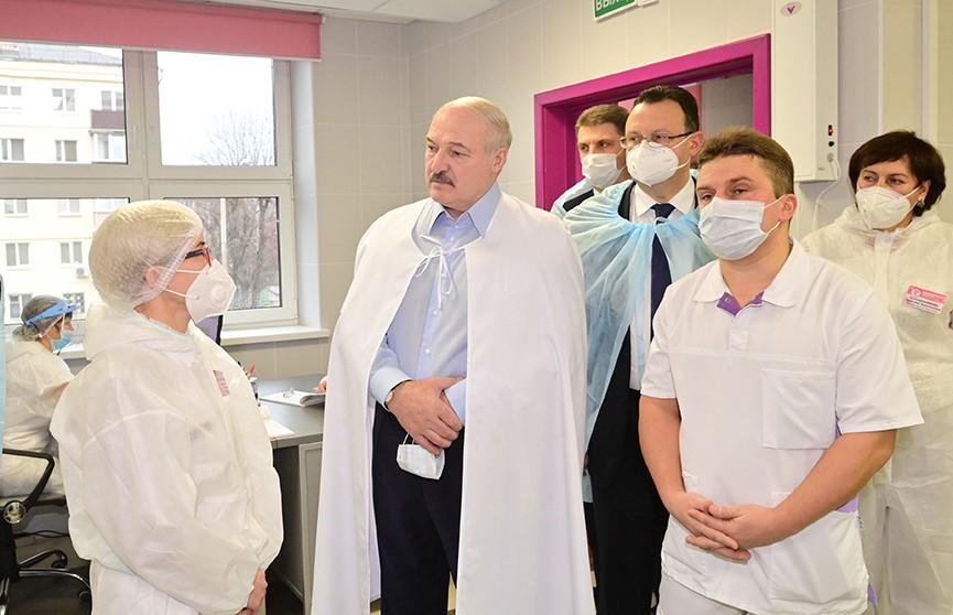 Лукашенко о COVID: Это уже не просто проблема врачей, это уже политическая, экономическая болезнь