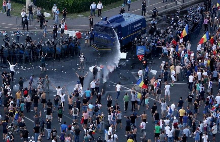 Во время акций протеста в Румынии пострадали более 170 человек