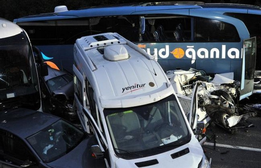 Масштабное ДТП в Турции: столкнулись несколько десятков машин
