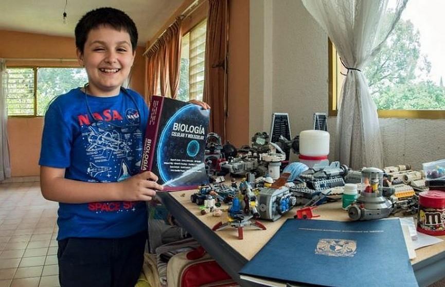 В Мексике 12-летний мальчик поступил в университет