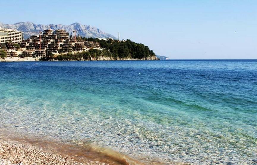 В Черногории полиция нашла на берегу моря 1,3 тонны марихуаны