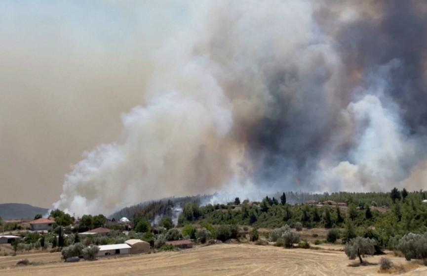 Греция и Турция в огне: лесные пожары вспыхивают повторно, а на улице +45℃