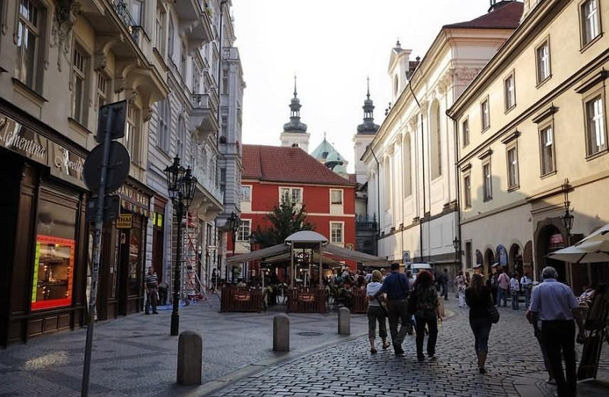 Более 500 человек эвакуированы из-за утечки газа в центре Праги
