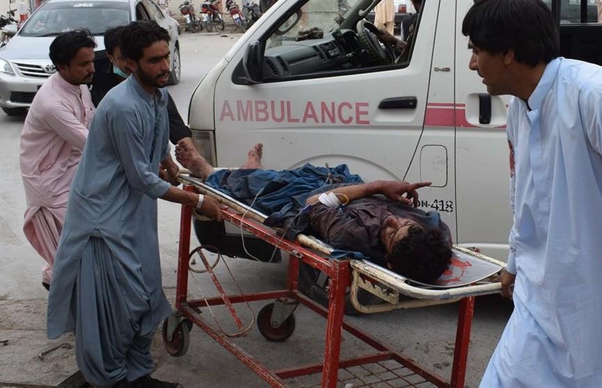 Число жертв взрыва в Пакистане достигло 128