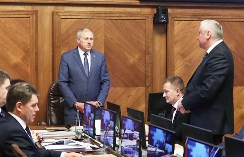 Владимира Дворника и Анатолия Хотько представили в правительстве