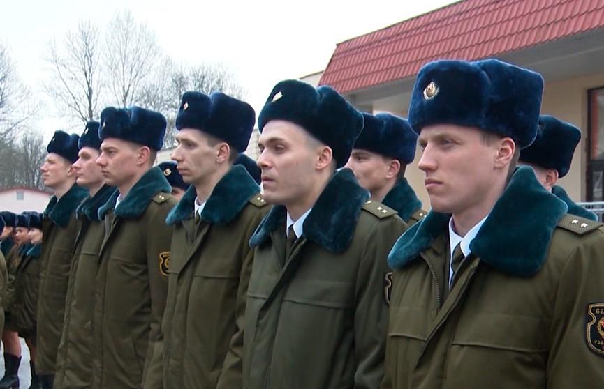 Военный выпуск прошел в школе прапорщиков в Борисове
