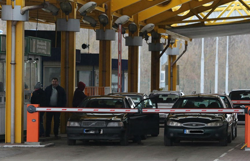 ГПК: белорусов пропускают через госграницу на въезд