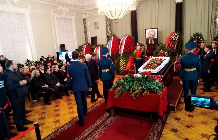 В Санкт-Петербурге завершилась церемония прощания с Жоресом Алфёровым