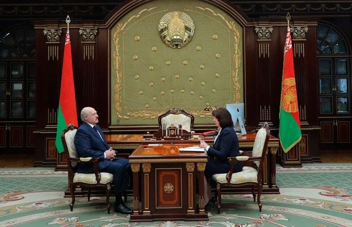 Лукашенко о кризисе из-за коронавируса: Нам надо работать и спасаться от этого кризиса, как только можно