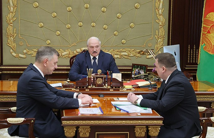 Лукашенко: Очень остро стоит вопрос обеспечения современным вооружением