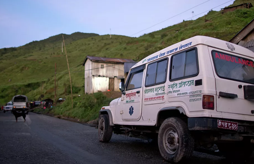 В ДТП с автобусом и грузовиком в Непале погибли 12 человек