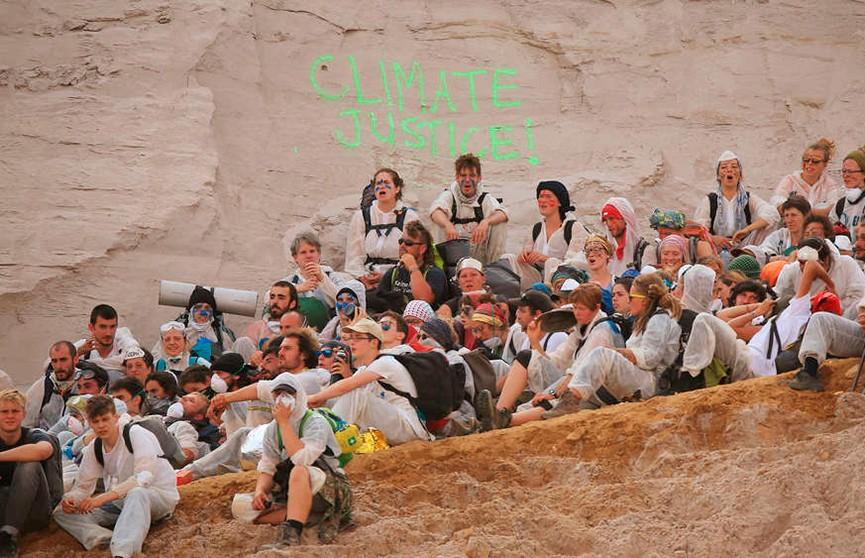 Экологические активисты штурмовали угольный карьер в Германии