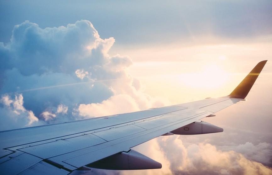 Учебный самолет упал в Колумбии