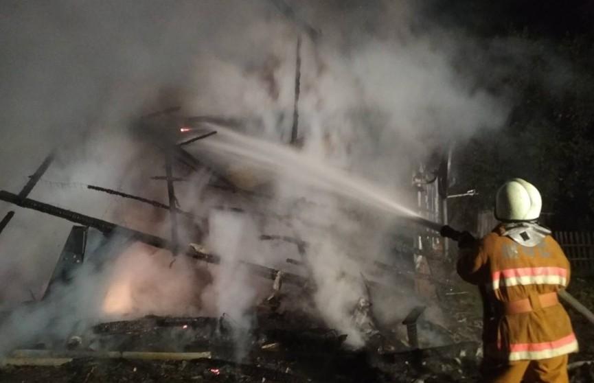 Пожар в Россонском районе: две женщины погибли