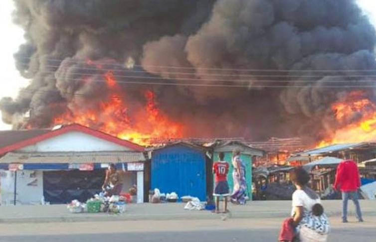 В Нигерии взорвалась машина, перевозившая газ: погибли 30 человек