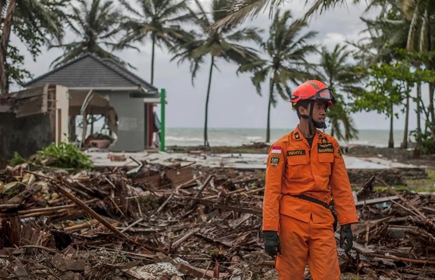 Дипломаты проверяют, есть ли белорусы среди жертв цунами в Индонезии