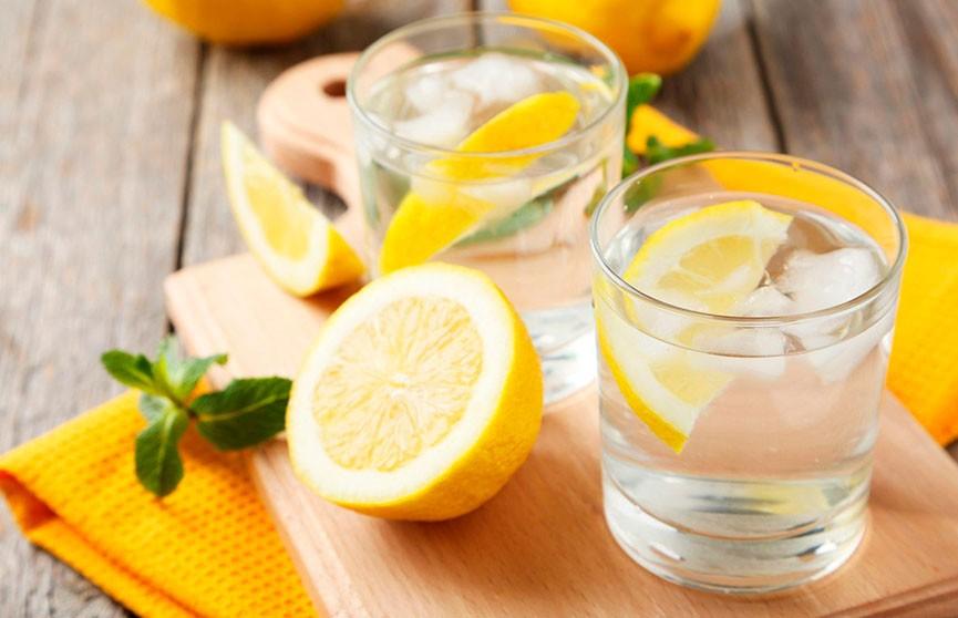 Причины, по которым нужно пить воду с лимоном