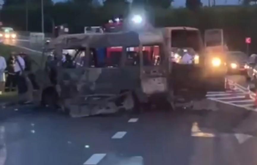 Четыре человека погибли после столкновения мотоцикла с бусом