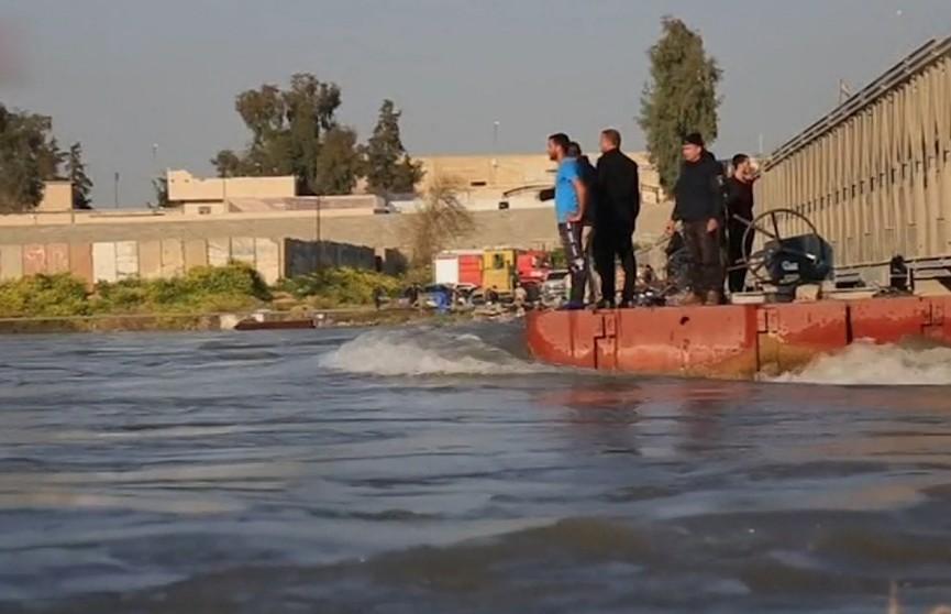 Крушение парома на реке Тигр: 93 человека погибли