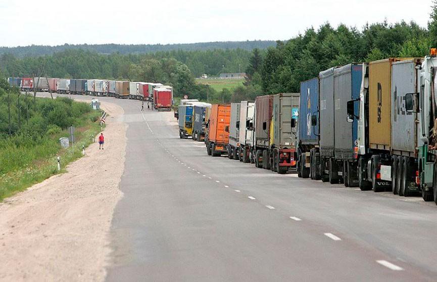 ГТК: 24 августа движение грузовиков через границу с Литвой может быть затруднено