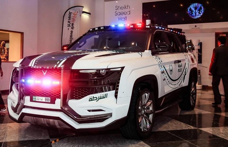Самый технологичный полицейский автомобиль представили в Барселоне (Фото)