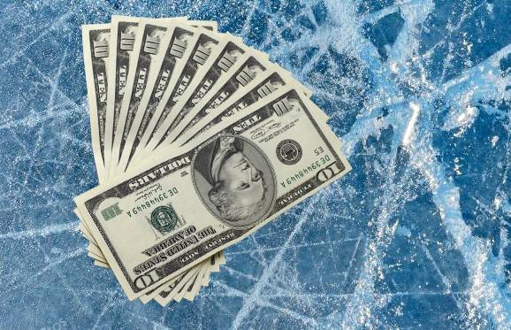 Сколько зарабатывают белорусские хоккеисты?