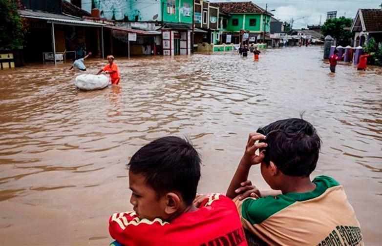 Масштабные наводнения в Индии: 150 человек погибли