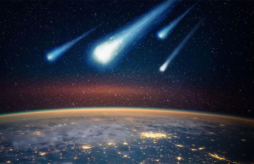 Горящий метеорит запечатлели жители 11 штатов США (Видео)