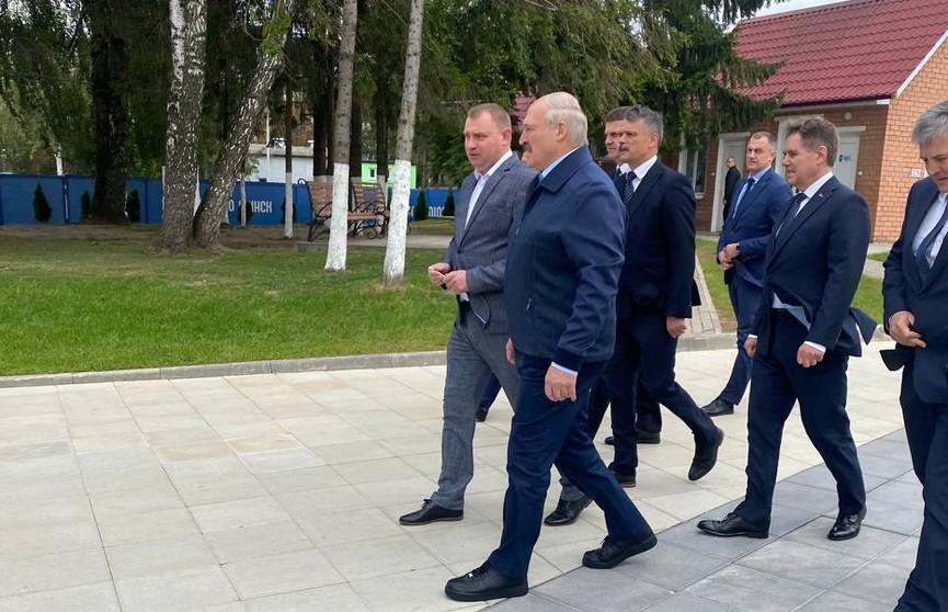 Какие кеды носит Лукашенко? Фотофакт